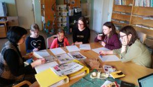 Töötuba, milles Silvia Paluoja rääkis paberlehest ja uudise ülesehitusest. Foto: Kätlin Laur